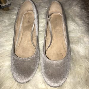 Old Navy gray round toe 3in heel US size 9.5